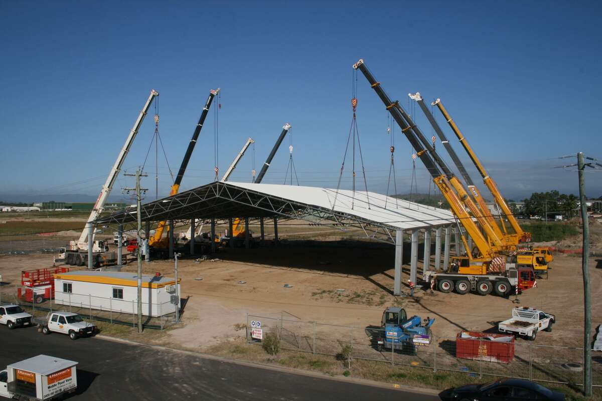 ABC Sheds cyclone rated shed being lifted into place in Townsville