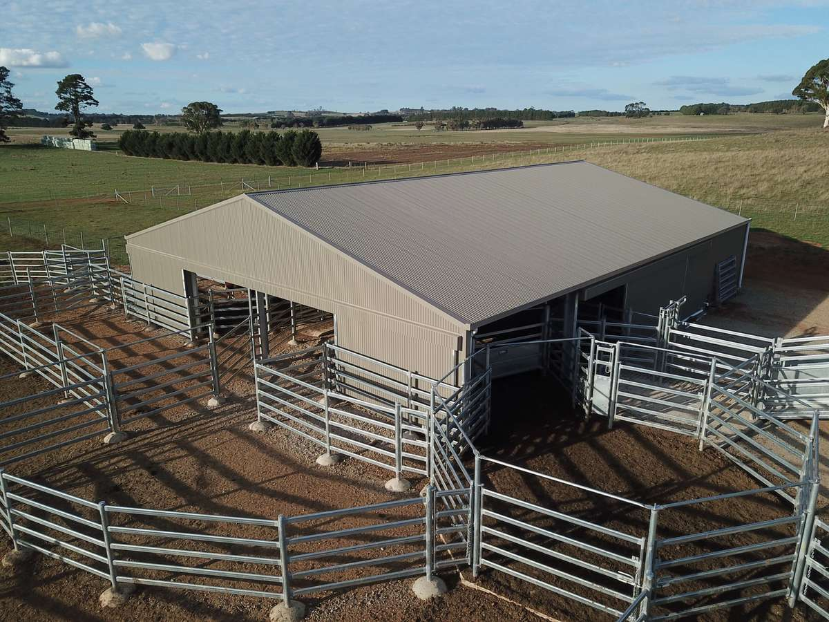 Slanted view of yard cover - Crookwell