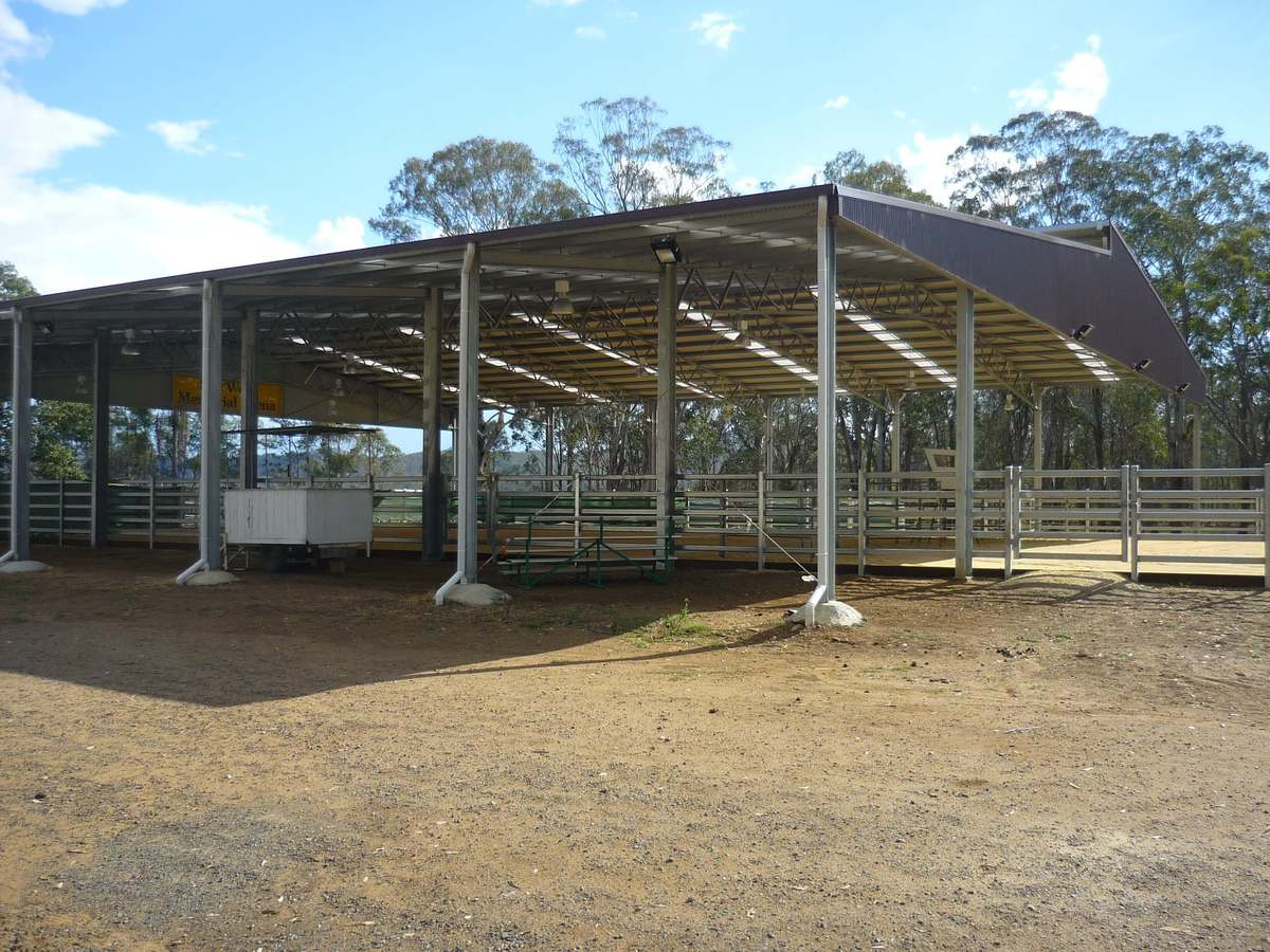 Dressage arena - Beaudesert - Side view