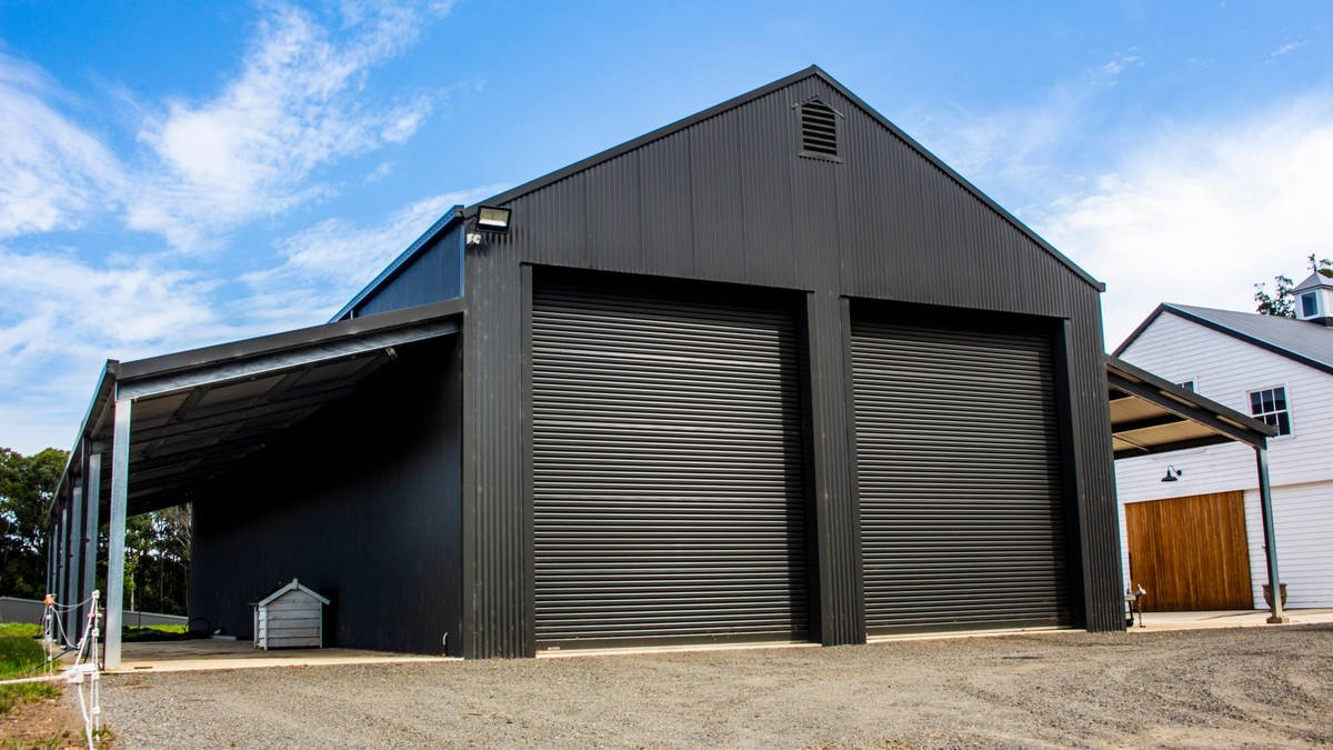 Horse stable - Mossvale - Front View