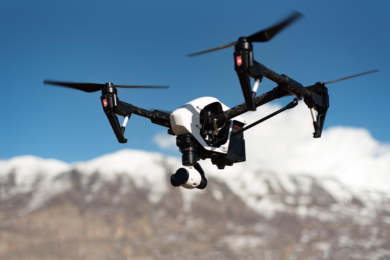 drone-1245980_1280